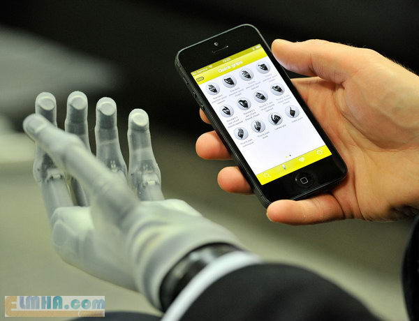 سایت علمها علم فناوری آموزش - فناوری ساخت دست مصنوعی اعضاء دست مصنوعی synthetic رفلکس ژل سیلیکون سنسور لامسه