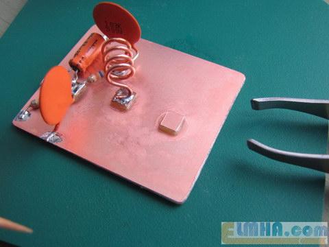 تصویر 12-پروژه برق الکترونیک در علمها: نصب بقیه قطعات فرستندهافام،FM transmitter