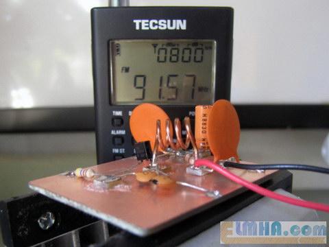 تصویر 21-پروژه برق الکترونیک در علمها: پاسخ و خروجی صوت روی گیرنده توسط فرستندهافام،FM transmitter